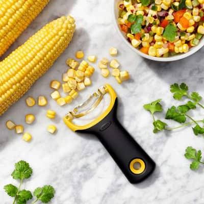 Économe pour grain de maïs Oxo