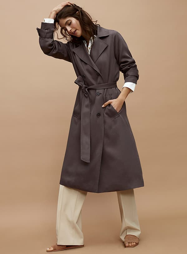 Le trench fluide lyocell chez Simons