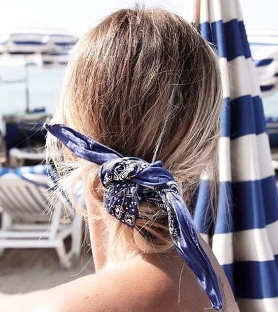 Tendance cheveux: le foulard en accessoire