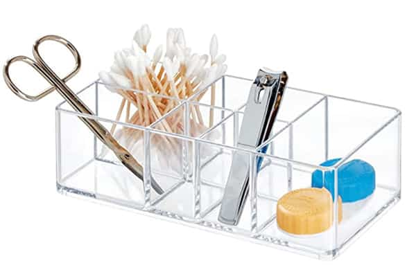 Compartiment pour petits accessoires de salle de bain
