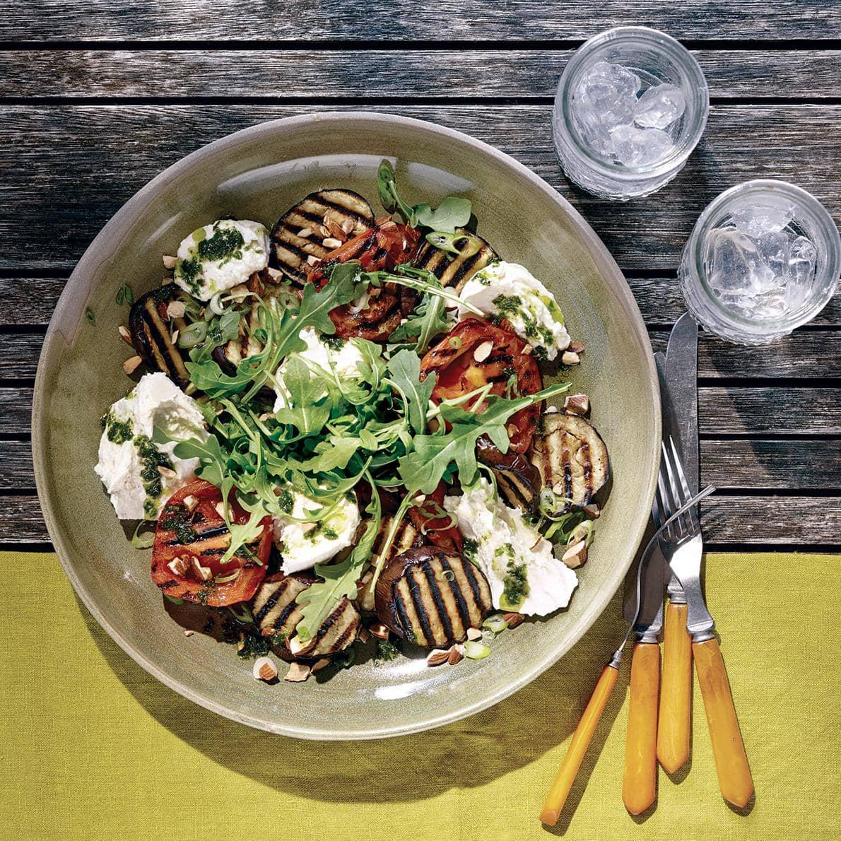 Tomates, aubergine et mozzarella