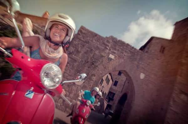 4.Italy-Southern-Tuscany-Local-Living-Traveller-Daneta-Vespa-Leo-Tamburri-2012-IMGP8745-Processed-Lg-RGB