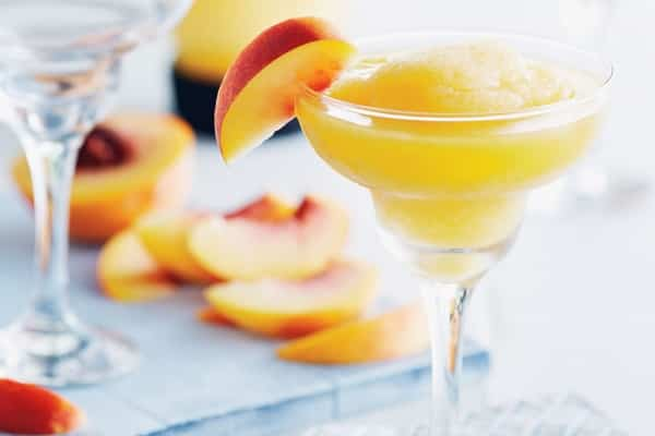 frosty peach daiquiris