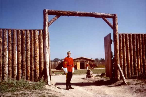 Fort_Calgary_Historic_Park