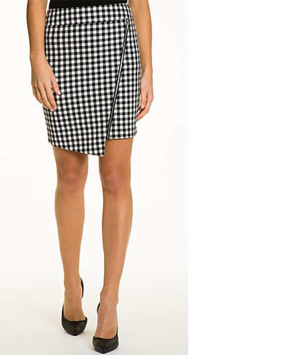 Gingham skirt by Le Chateau