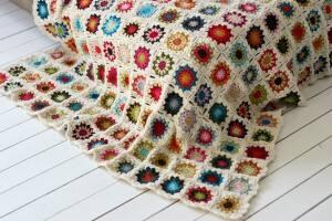 Granny square blanket by Sandra Juto.