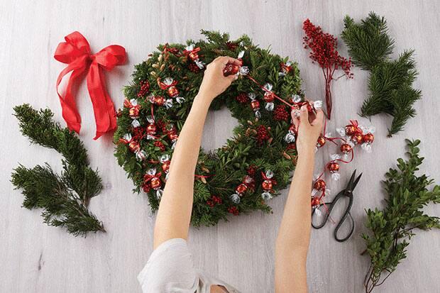 lindor wreath craft