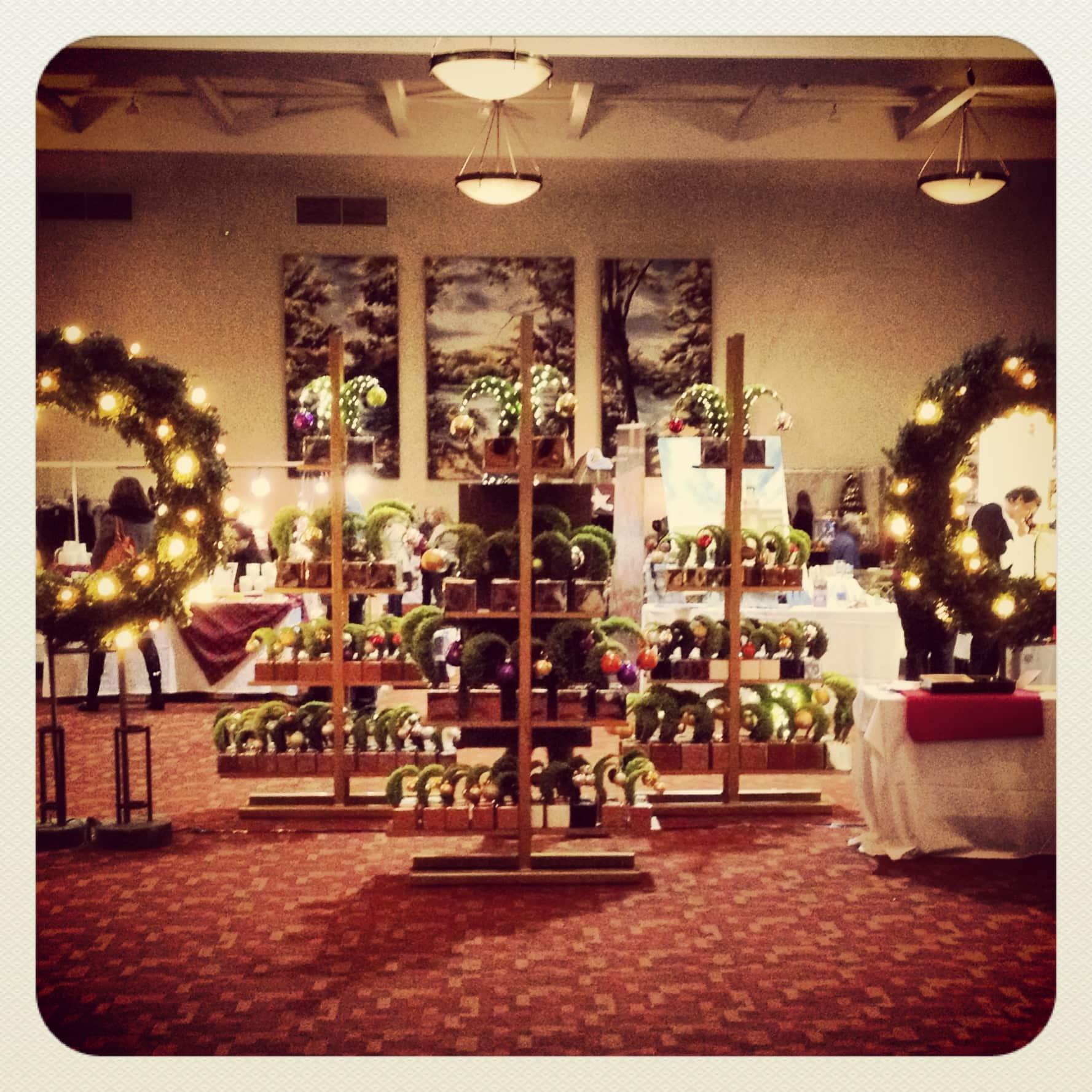Christmas Village shopping at Deerhurst Resort
