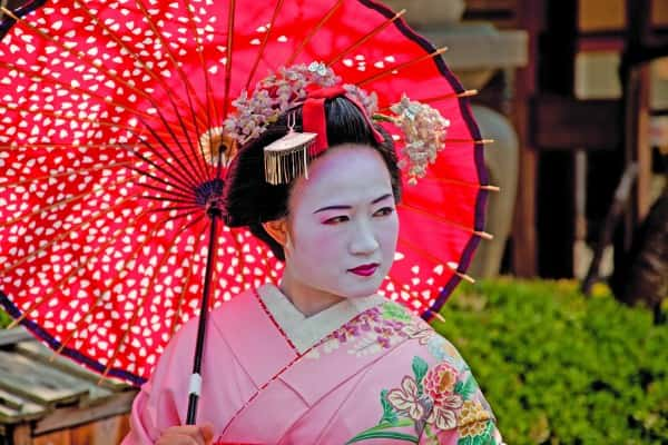 Geisha Japan - 650 px