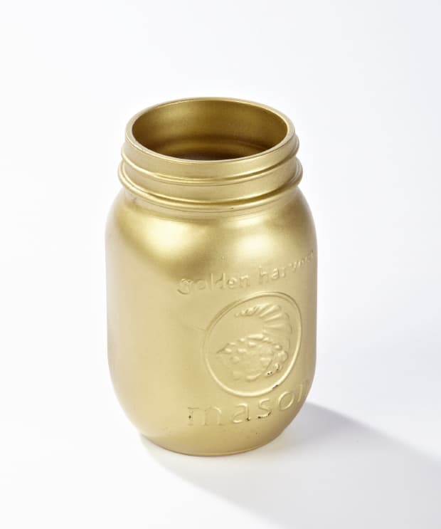 Gold spraypainted canning jar