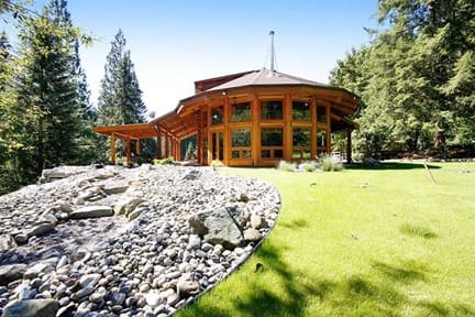 bc high luxury cottage