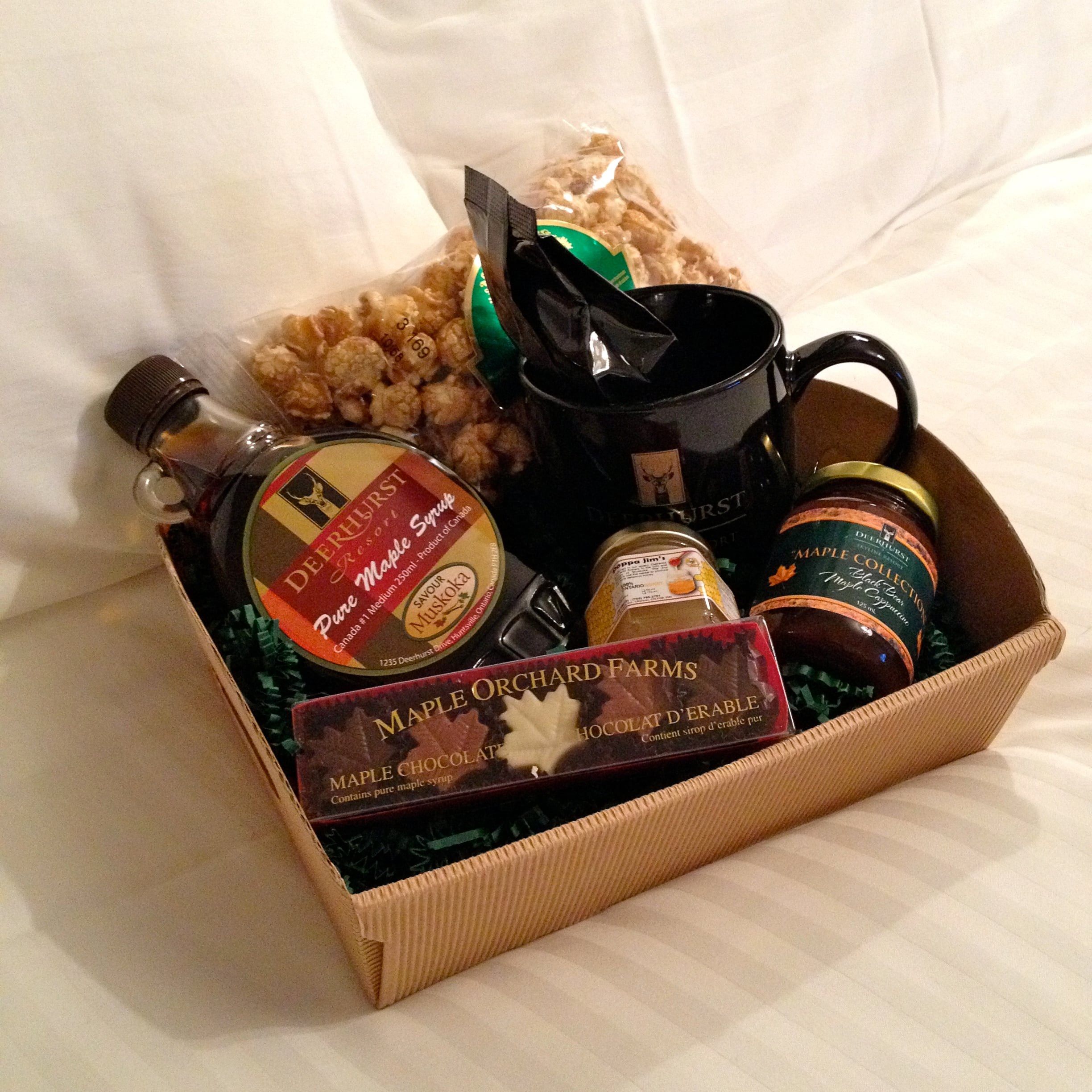 Maple treats and goodies gift basket