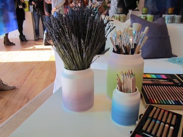 Ombre ceramic vases from Chapters Indigo