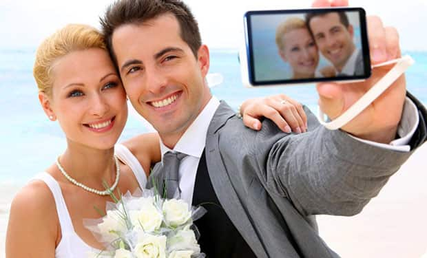 Forty percent of brides will post a selfie as their first wedding photo on social media.