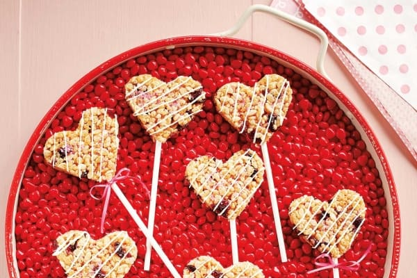Crispy Valentine Pops
