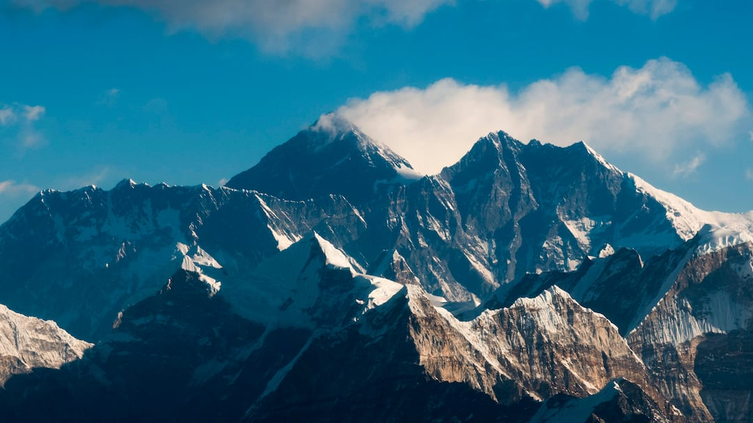 NEPAL-CHINA-MOUNTAINEERING-GEOLOGY-EVEREST