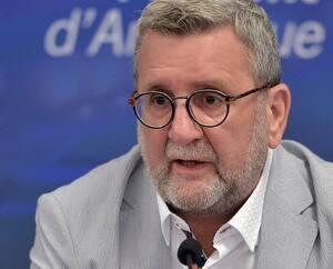 Le maire de Québec, Régis Labeaume, a affirmé que le projet de terminal de conteneurs Laurentia du Port de Québec aurait dû être plus écologique.