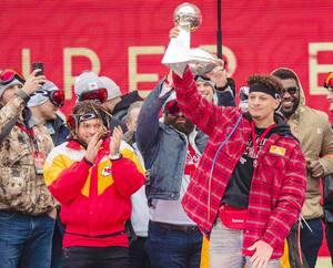 Patrick Mahomes tentera de démontrer que les Chiefs ont fait le bon investissement en lui accordant un riche contrat à long terme.