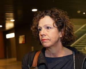 La mairesse d'arrondissement Sue Montgomery, qui refuse de démettre de ses fonctions sa directrice de cabinet, était au palais de justice de Montréal, mardi.