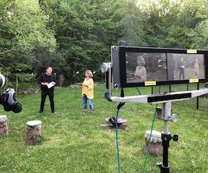 Les animateurs Maxim Landry et Annie Brocoli lors du tournage de la 33e édition du Téléthon Opération Enfant Soleil.