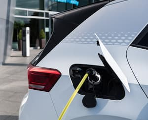 FILES-GERMANY-AUTOMOBILE-ELECTRICITY-EMPLOYMENT
