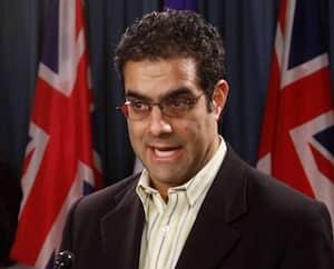 Au cours des dernières semaines, le professeur Amir Attaran a fréquemment qualifié le gouvernement Legault de «suprémaciste blanc».