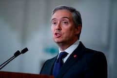 Vaccins : François-Philippe Champagne vante les contrats conclus par Ottawa