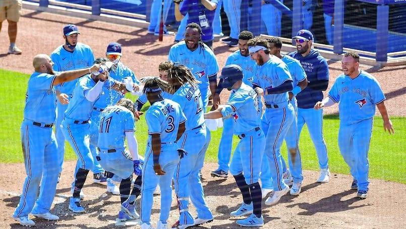 Bichette joue les héros; Toro rappelé par les Astros