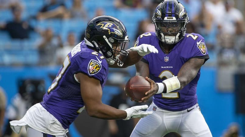 NFL: la saison de J.K. Dobbins compromise