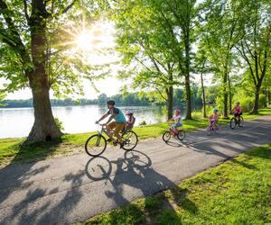 Image principale de l'article 10 pistes cyclables sur le bord de l'eau