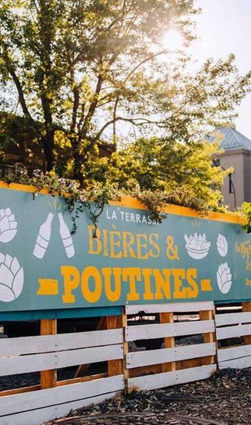 Image principale de l'article Une terrasse éphémère «Bières & Poutine» ouvre