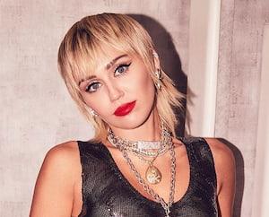 Image principale de l'article Les stars adorent cette coupe de cheveux originale