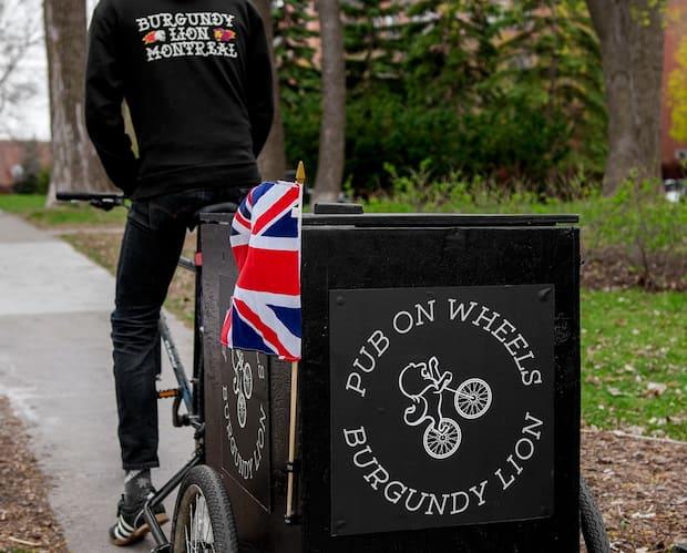 Image principale de l'article Un pub sur roues qui livre au canal de Lachine