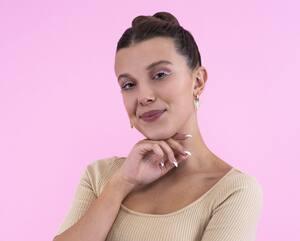 Image principale de l'article Voici comment porter la tendance du eyeliner blanc