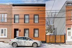 Basse-Ville de Québec: maison de ville complètement rénovée