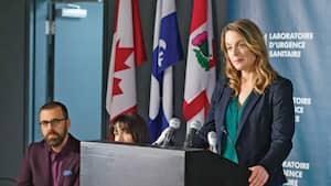 Anne-Marie (Julie LeBreton) doit trouver le moyen d'informer les gens sans accentuer la panique.