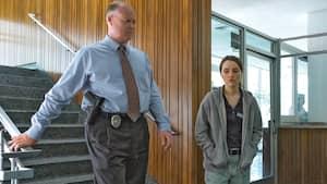 Kaitlyn Dever incarne Marie, dont le viol est ignoré par les policiers.