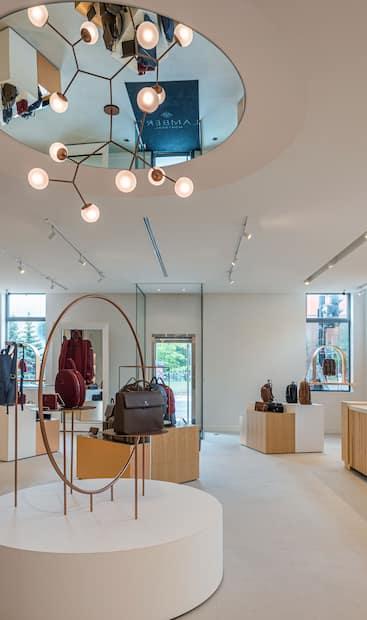 Image principale de l'article Lambert ouvre une immense boutique