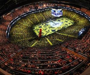 Pour l'instant, le Centre Vidéotron présente des matchs des Remparts de Québec à huis clos. Ses dirigeants espèrent y recevoir de nouveau des stars de la musique à compter de l'été 2021.