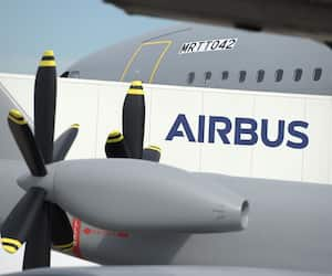 FILES-US-FRANCE-AEROSPACE-AVIATION-ECONOMY-AIRBUS-BOEING