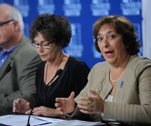 Claire Montour (à droite).