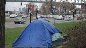 Image principale de l'article Une première tente fait son apparition