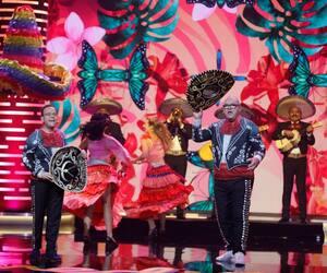 Michel Charette et Gildor Roy ont ouvert leur gala, samedi, au Capitole, dans un numéro coloré avec la présence de danseuses et de mariachis.