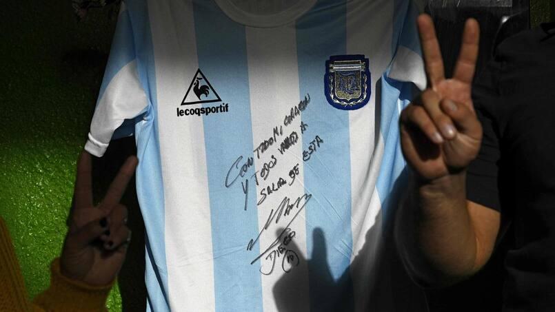 Un maillot de Maradona pour aider des pauvres