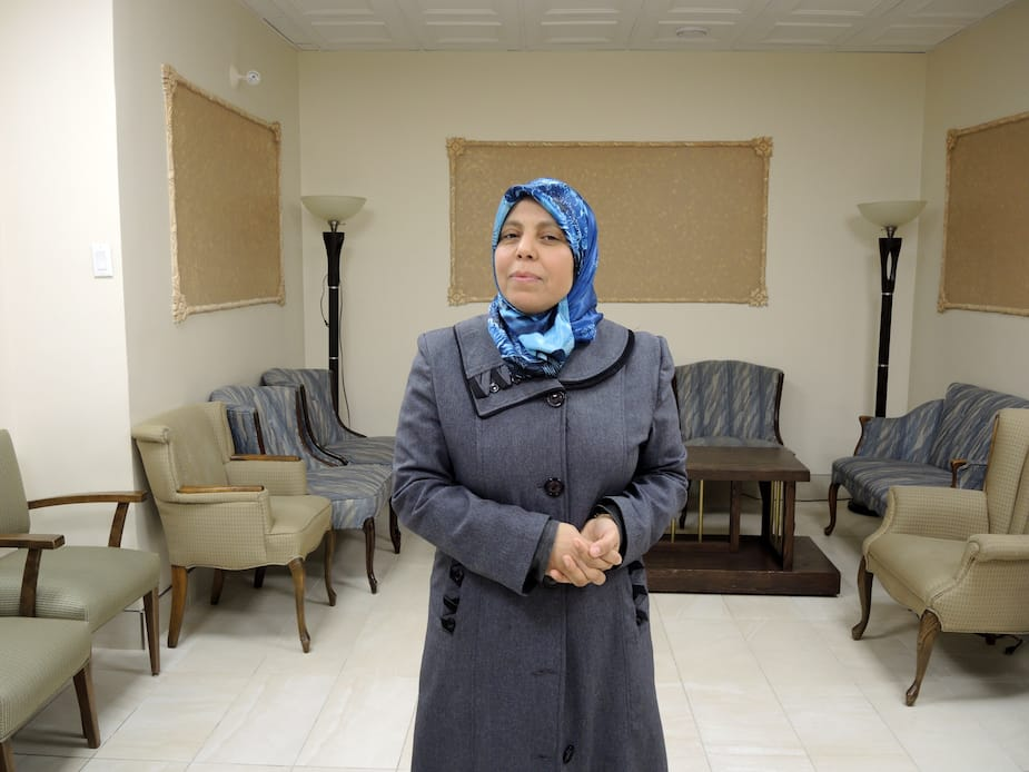 Enseignante de l'arabe et du coran au Centre islamique du Québec, Fouzia Alaoui, affirme que l'inquiétude est là chez les enfants et les adolescents avant de venir à la mosquée.