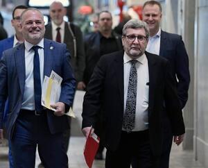 Le maire Régis Labeaume (à droite) en compagnie du ministre Jonathan Julien.
