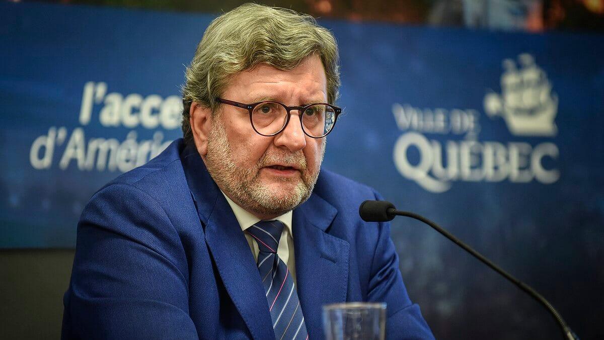 Le maire Régis Labeaume annonce un gel de taxes en 2021 ...