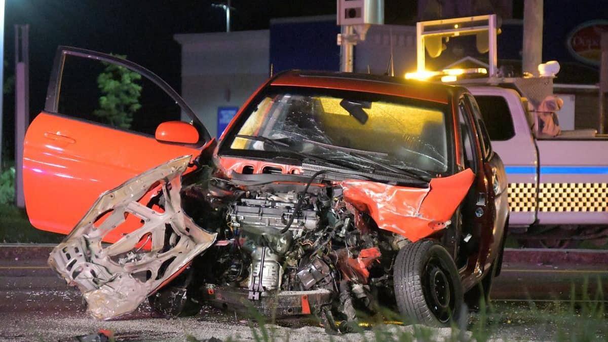 EN IMAGES   Deux blessés dans une collision à L'Ange-Gardien