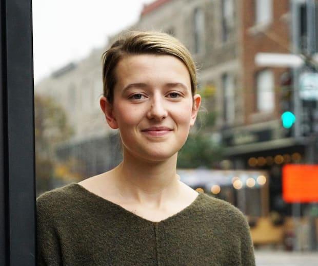 Portrait de Juliette Côte-Turcotte qui se présente comme candidate indépendante pour le poste de conseillère du district De Lorimer à Montréal, Québec, Canada. Le jeudi 14 octobre, 2021.  Sur cette photo: Juliette Côte-Turcotte   MARIO BEAUREGARD/AGENCE QMI