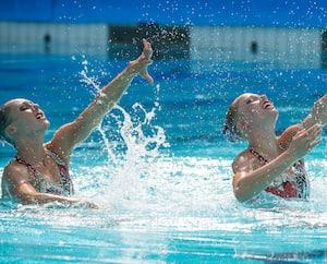 Les nageuses artistiques sont des athlètes d'exception qui doivent faire d'énormes efforts pour être au sommet.